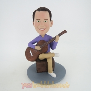 Picture of Custom Bobblehead Doll: Man Learn Guitar