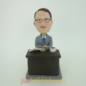 Picture of Custom Bobblehead Doll: Man Sitting And Reading
