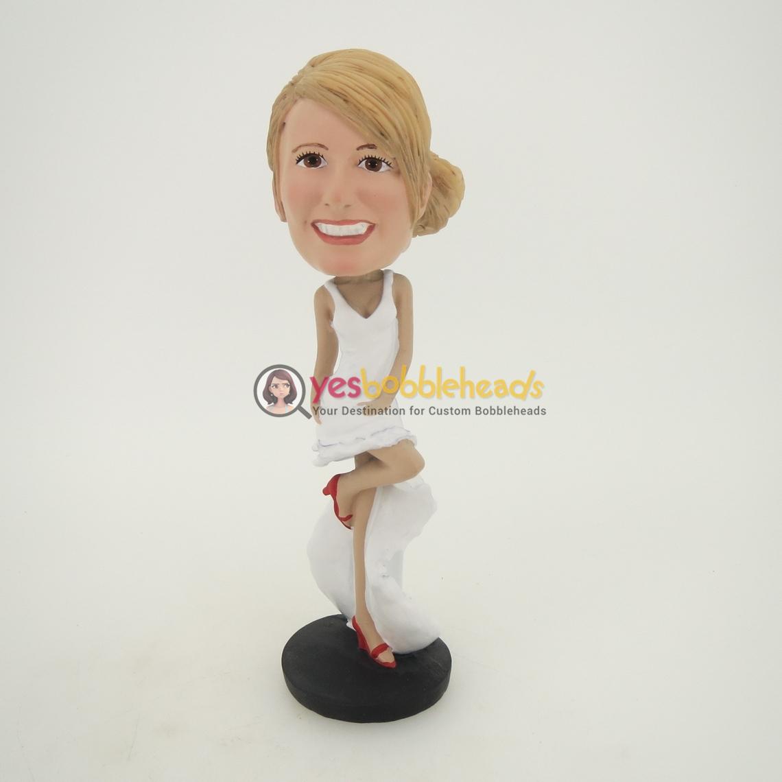 Picture of Custom Bobblehead Doll: Longuette Woman