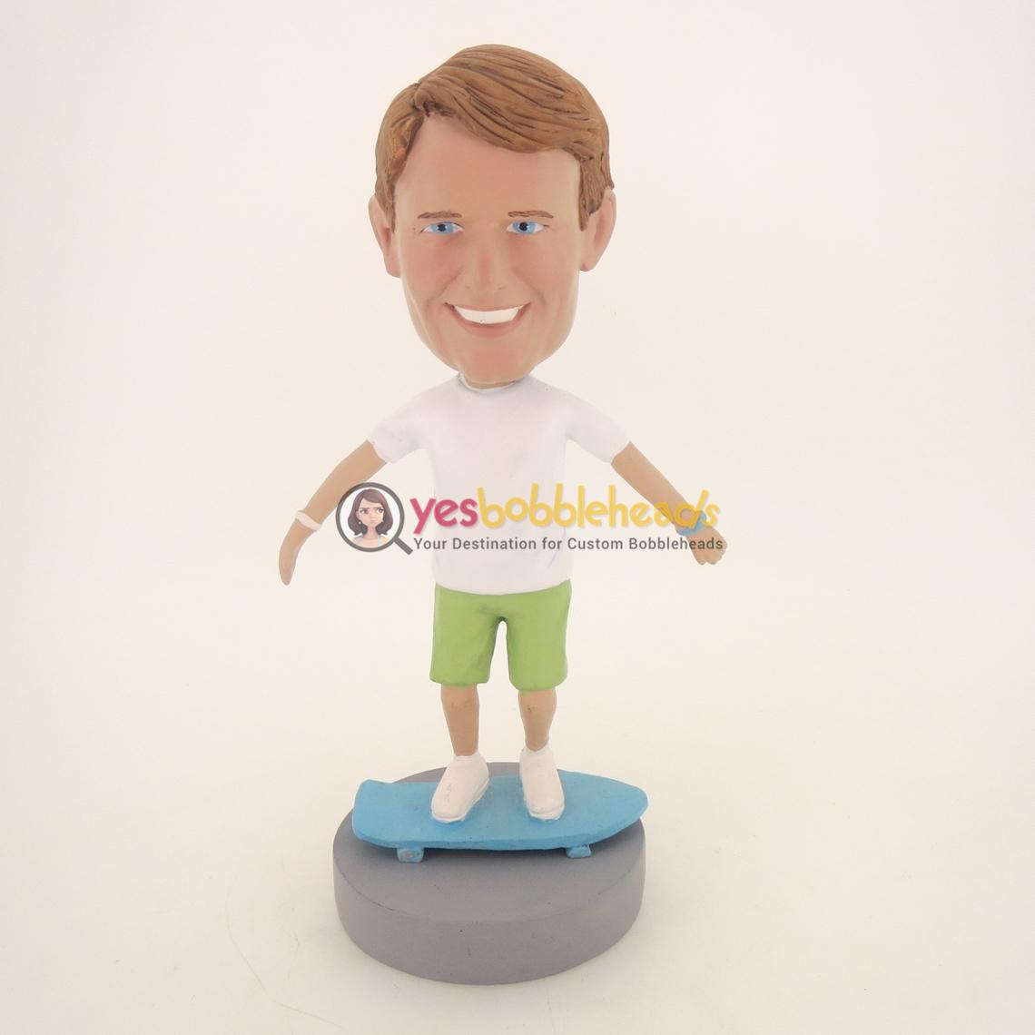 Picture of Custom Bobblehead Doll: Skateboarder Man