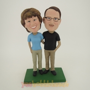 Picture of Custom Bobblehead Doll: Arm Behind Each Other Couple On Golf