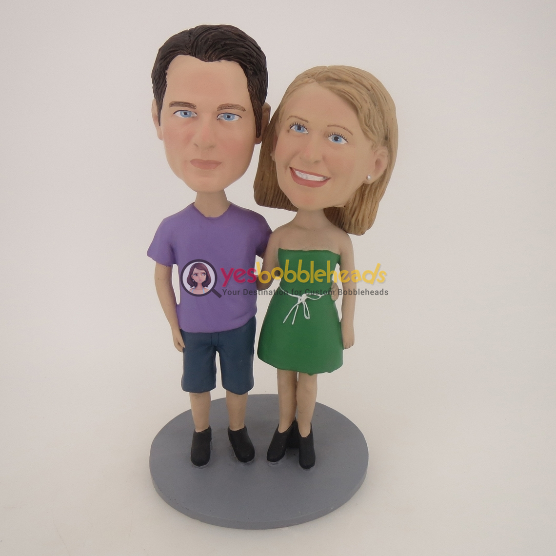 Picture of Custom Bobblehead Doll: Arm Behind Each Other Couple