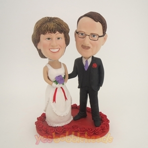 Picture of Custom Bobblehead Doll: Bride And Groom On Heart