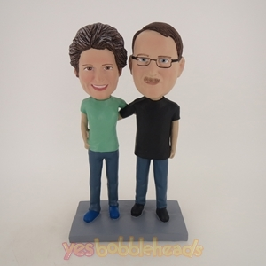 Picture of Custom Bobblehead Doll: Man and Woman Arm Behind Each Other