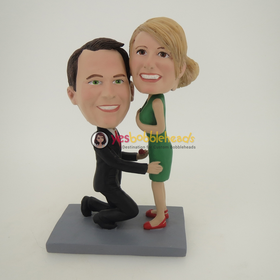 Picture of Custom Bobblehead Doll: Propose Couple