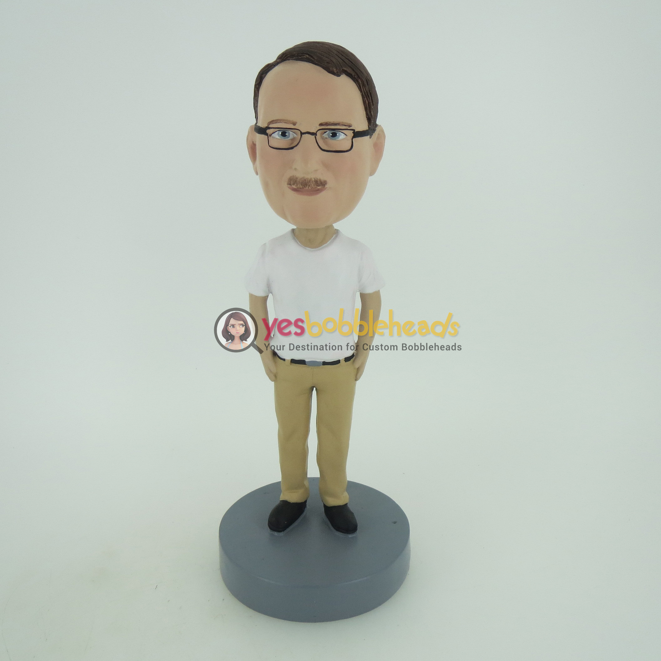 Picture of Custom Bobblehead Doll: Casual Man In White And Beige