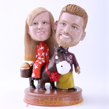 Picture of Custom Bobblehead Doll: Bride and Groom in Chinese Wedding