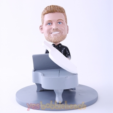 Picture of Custom Bobblehead Doll: Man Playing Piano