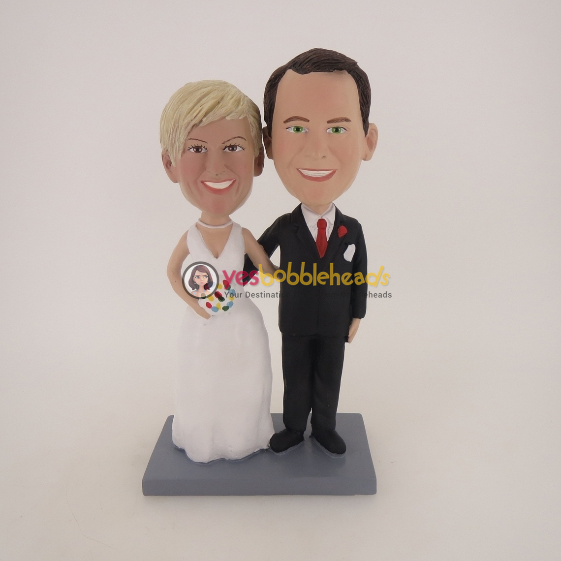 Picture of Custom Bobblehead Doll: Arms Crossed Happy Wedding Couple