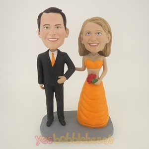 Picture of Custom Bobblehead Doll: Happy Arms Linked Bride & Groom