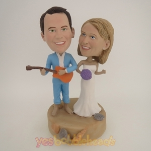 Picture of Custom Bobblehead Doll: Musical Couple Having Beach Fun Time