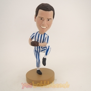 Picture of Custom Bobblehead Doll: Baseball Player in Pitching Motion