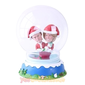 Picture of Custom Snow Globe: Santa Couple On Shoes
