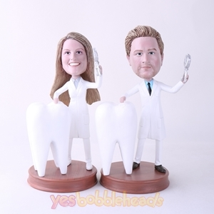 Picture of Custom Bobblehead Doll: Male Dentist & Female Dentist