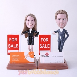 Picture of Custom Bobblehead Doll: Couple Property Agent