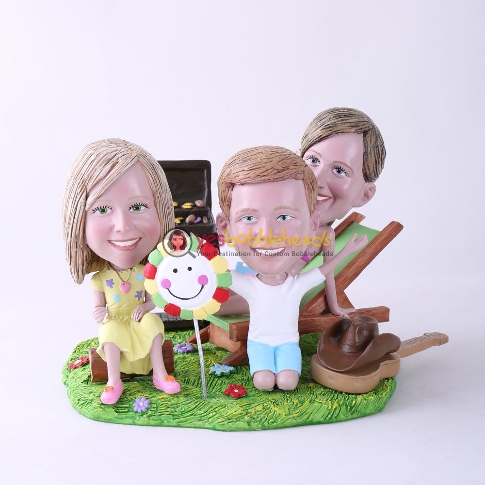 Picture of Custom Bobblehead Doll: BBQ Theme Mother & Daughter & Son