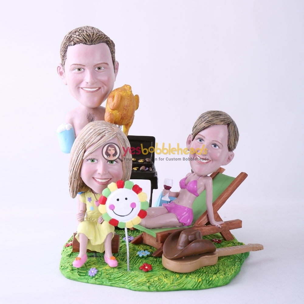 Picture of Custom Bobblehead Doll: BBQ Theme Mother & Father & Daughter